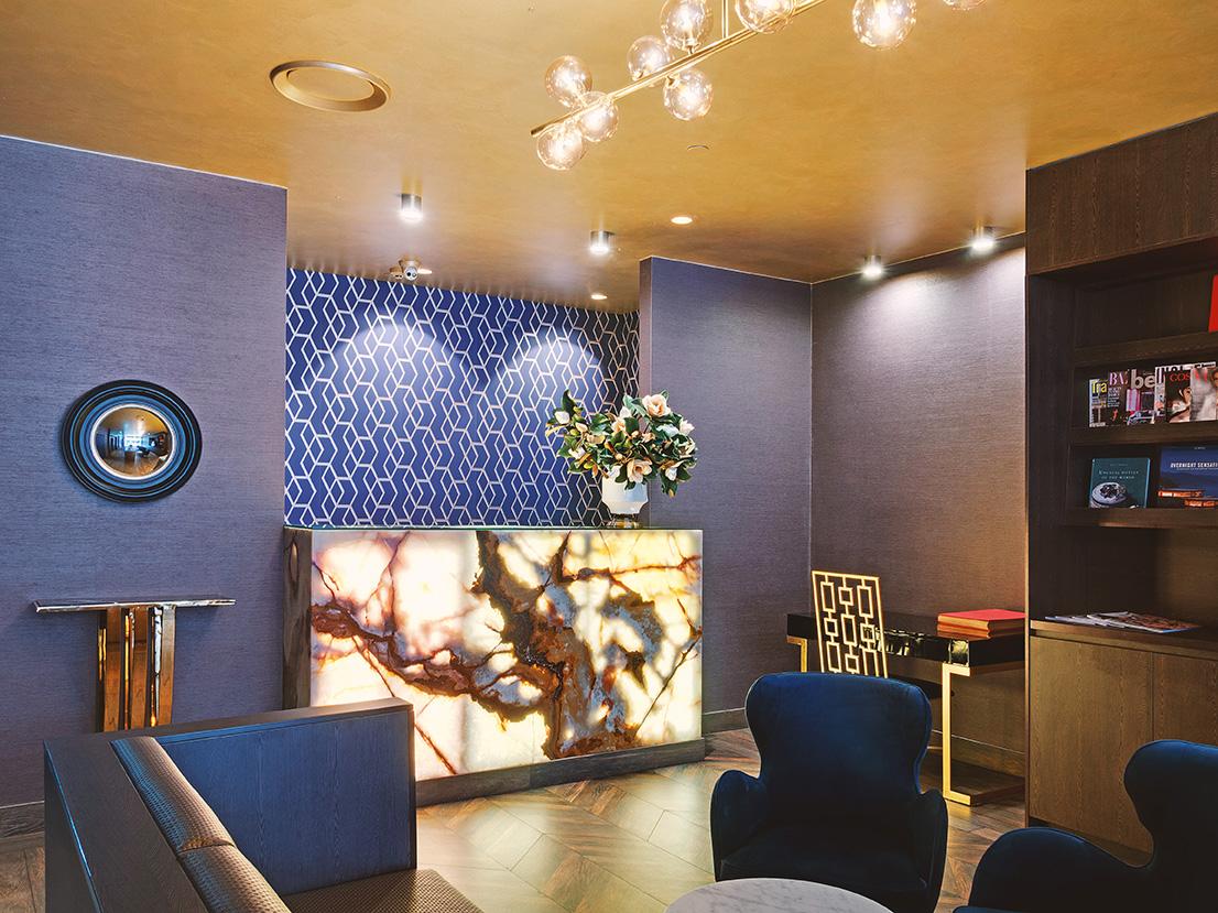 28 Hotel Reception